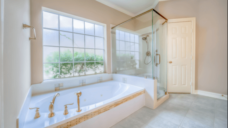 3 Ways To Make Your Bathroom Look More Spacious Than It Actually Is